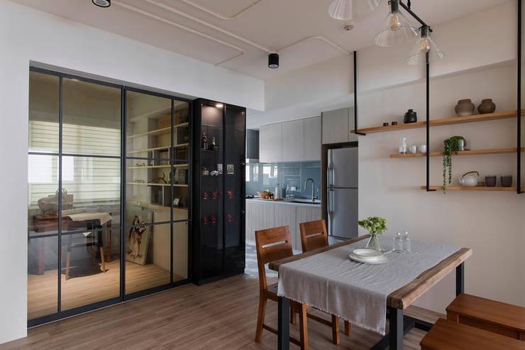 《日向》:  餐廳 by 辰林設計