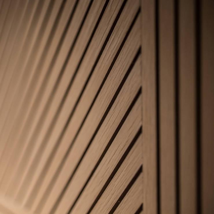 Sales Office:  Walls & flooring by Artta Concept Studio