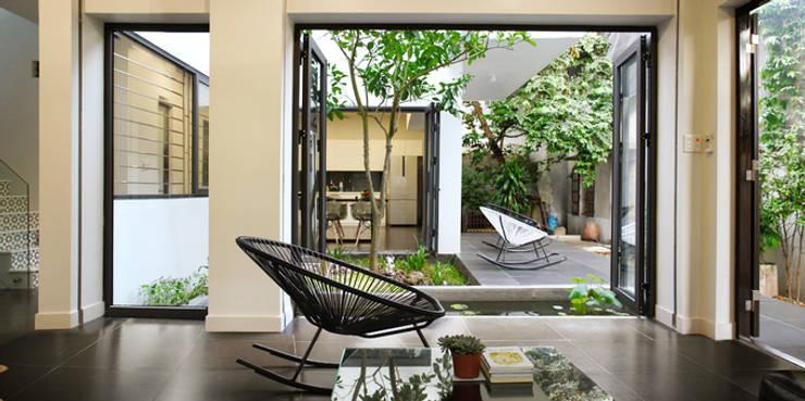 Living room by Công ty TNHH TK XD Song Phát
