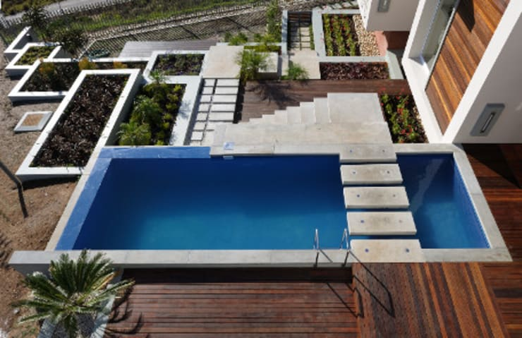 Residence, Little Walmer Golf Estate:  Pool by The Matrix Urban Designers and Architects