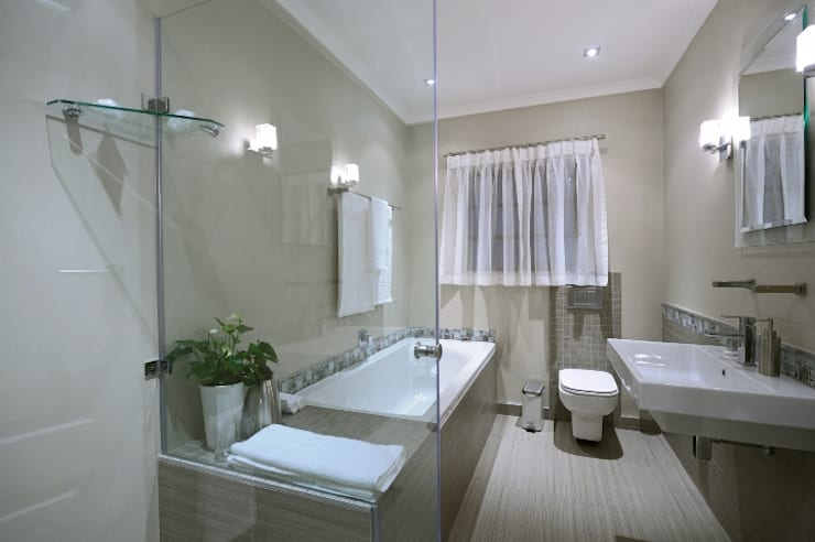 Renovations to Gardenview Guest House:  Bathroom by The Matrix Urban Designers and Architects