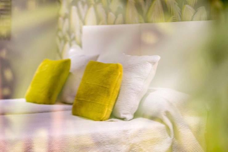 REFORMA LOW COST: Dormitorios de estilo  de ESPACIOS, ALBERTO ARANDA, Ecléctico