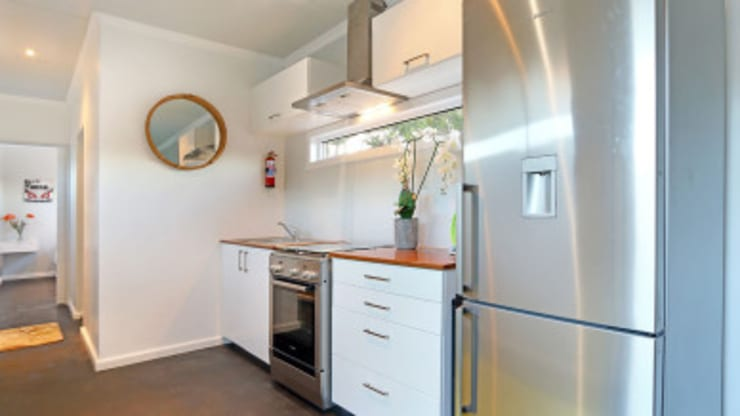 Modular Homes for Sale: modern Kitchen by Umnyama Ikhaya
