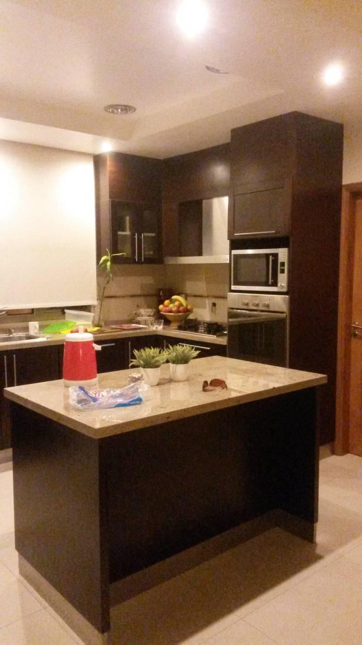 VIVIENDA SN: Muebles de cocinas de estilo  por BVS+GN ARQUITECTURA