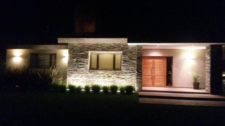 VIVIENDA SN: Casas unifamiliares de estilo  por BVS+GN ARQUITECTURA
