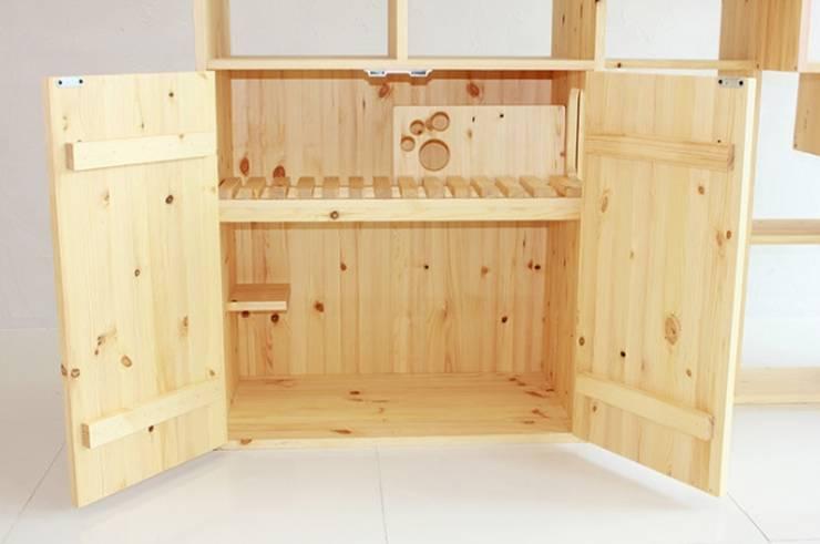 친환경 원목캣타워: (주)위드인디자인의  가정 용품