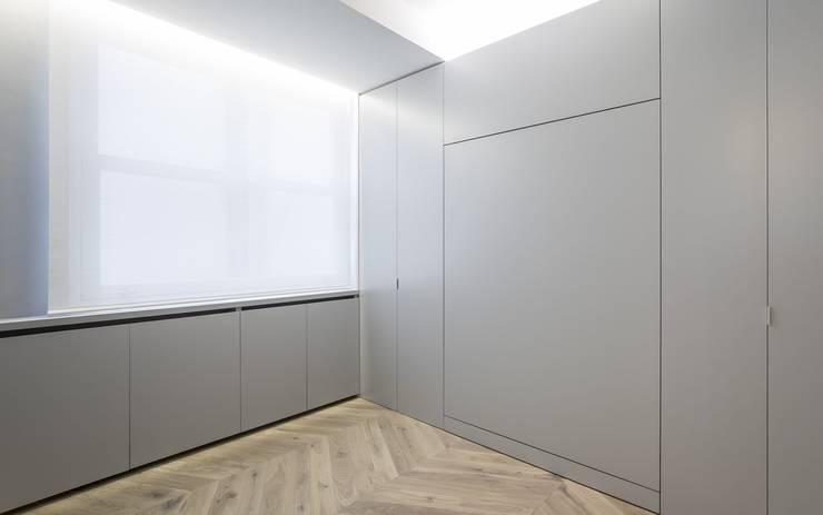 Camera da letto minimalista di Gallardo Llopis Arquitectos Minimalista