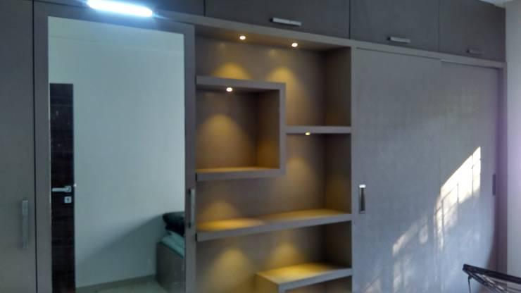 Interiors:  Walls by Vasuweta Interior Space