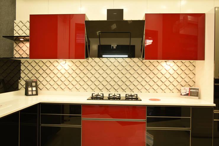 Kitchen:  Kitchen by Skaav Luxury Interiors
