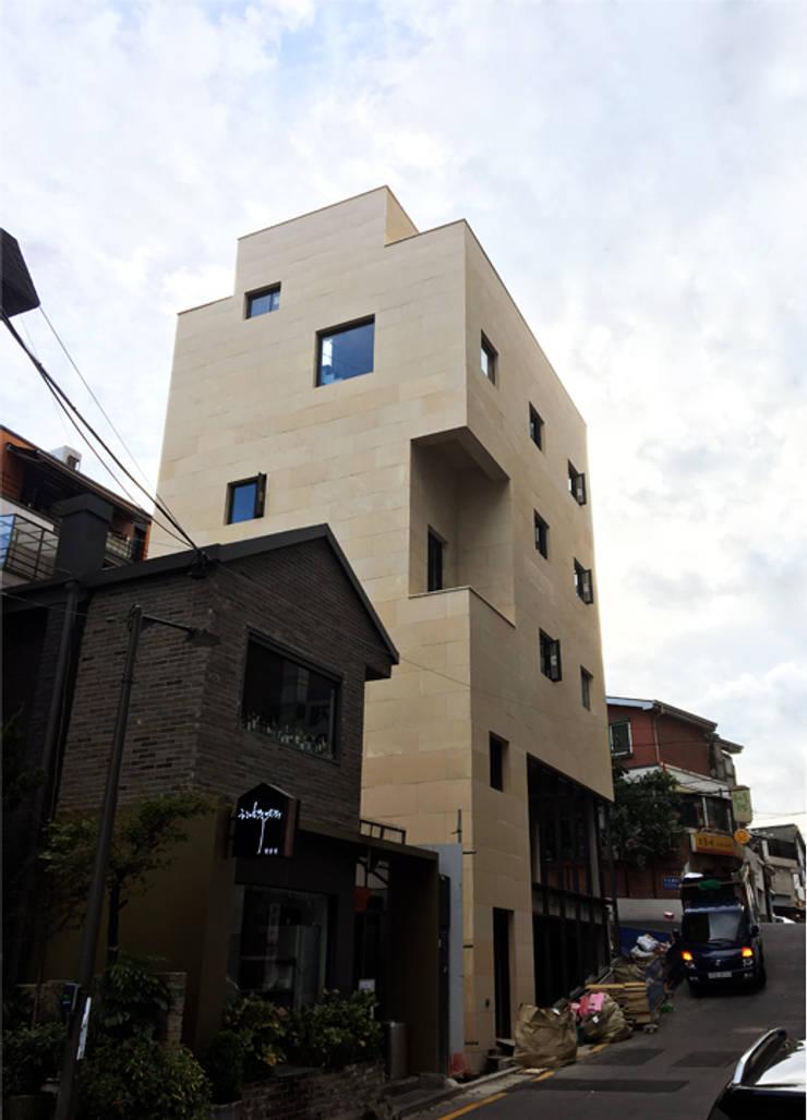 외부전경: (주)건축사사무소 예인그룹의  계단,