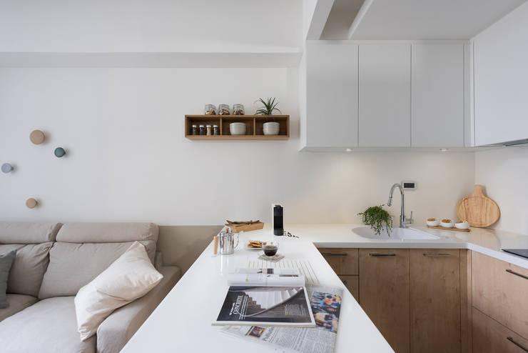 早安,日和!:  系統廚具 by 寓子設計