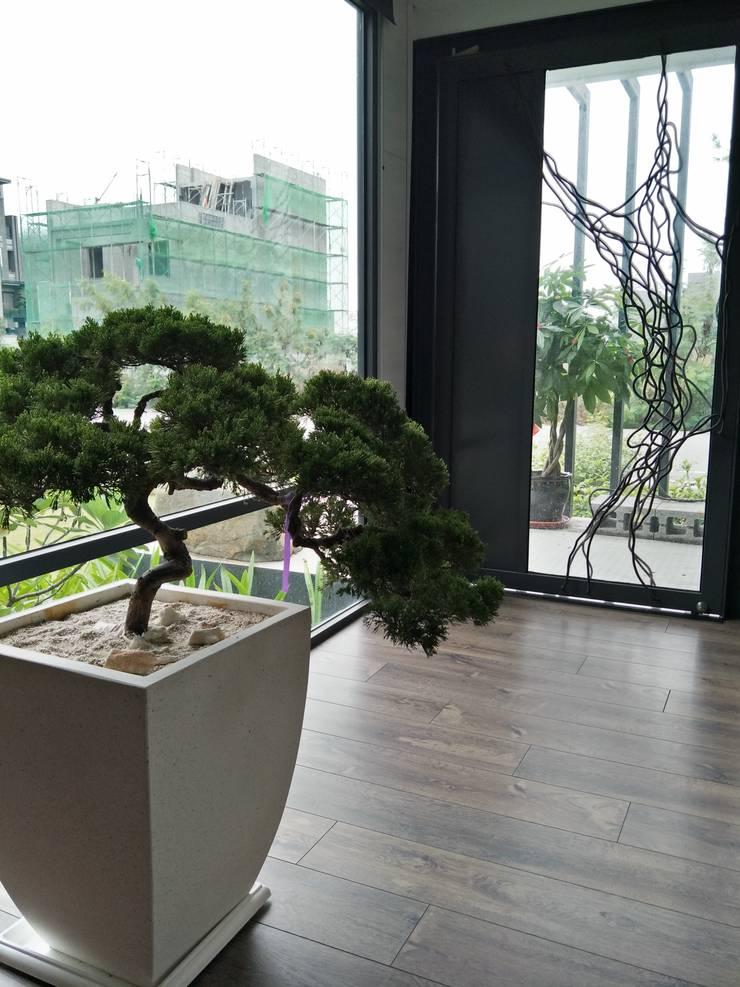 磐燁馥玉:  商業空間 by OWN DESIGN