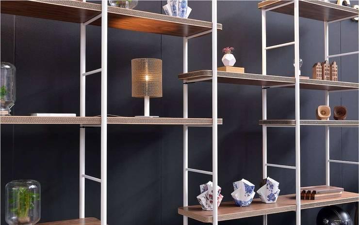 Cardboard Cabinet AMS 05:   door Studio Perspective, Industrieel Papier