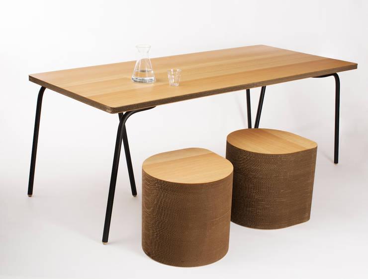 Duurzame Design tafel van karton Cartoni Design:   door Studio Perspective, Industrieel Papier