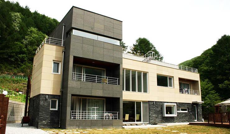 외부전경: (주)건축사사무소 예인그룹의  계단,모던 화강암