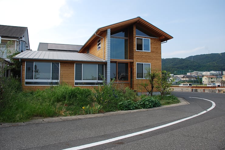 木屋 by 丸菱建築計画事務所 MALUBISHI ARCHITECTS