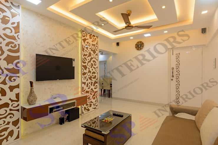 Mr. Rikin :  Living room by SP INTERIORS