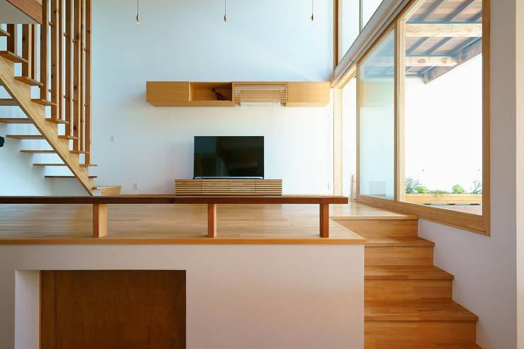 Salon de style  par H建築スタジオ,