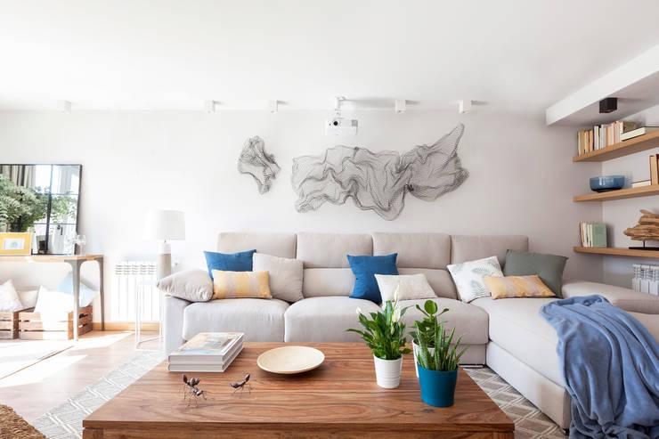 Tres Cantos I: Salones de estilo  de itta estudio