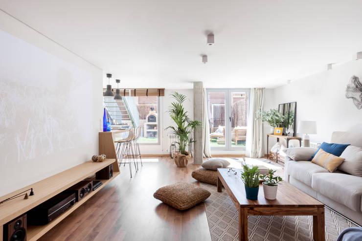 Salas / recibidores de estilo  por itta estudio