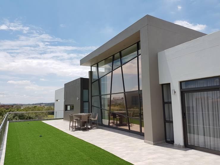 Patios & Decks by AVR Architects