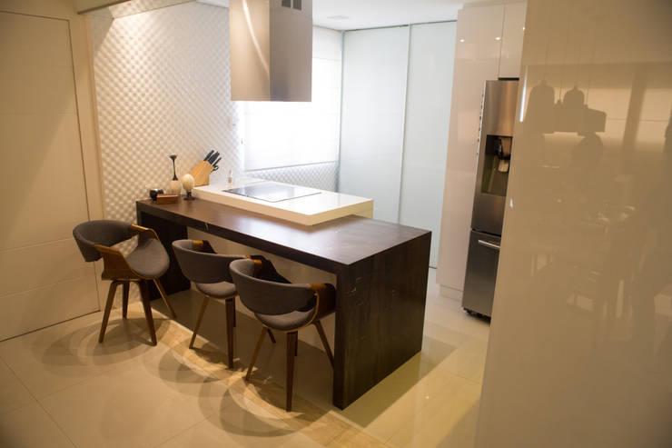 Cocinas de estilo  por realizearquiteturaS