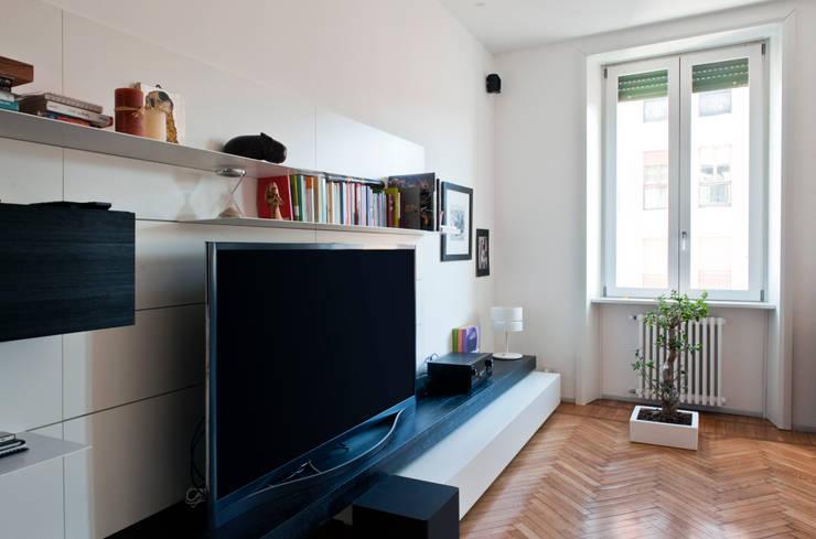 غرفة المعيشة تنفيذ Gianluca Bugeia ARCHITETTO