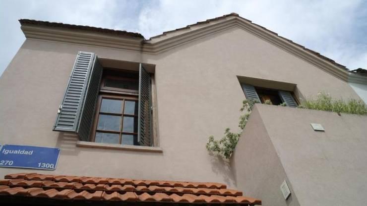 Ventana Frente : Casas unifamiliares de estilo  por gatarqs