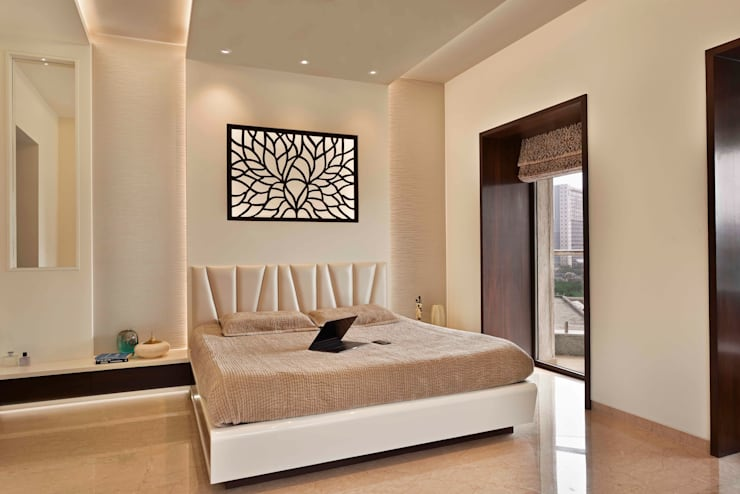 The Warm Bliss:  Bedroom by Ar. Milind Pai,Minimalist Marble