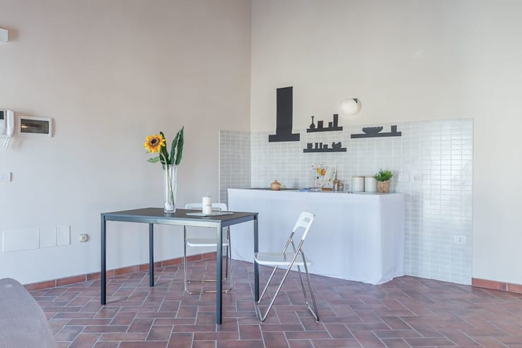 Dining room by Anna Leone Architetto Home Stager