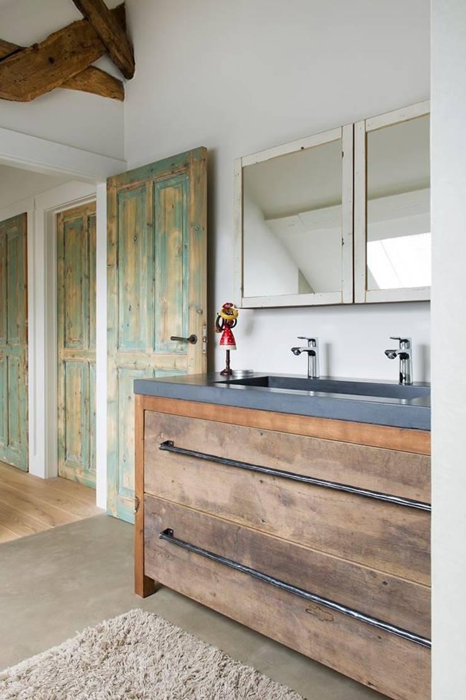 Houten badkamermeubel op maat:  Badkamer door RestyleXL, Landelijk Hout Hout