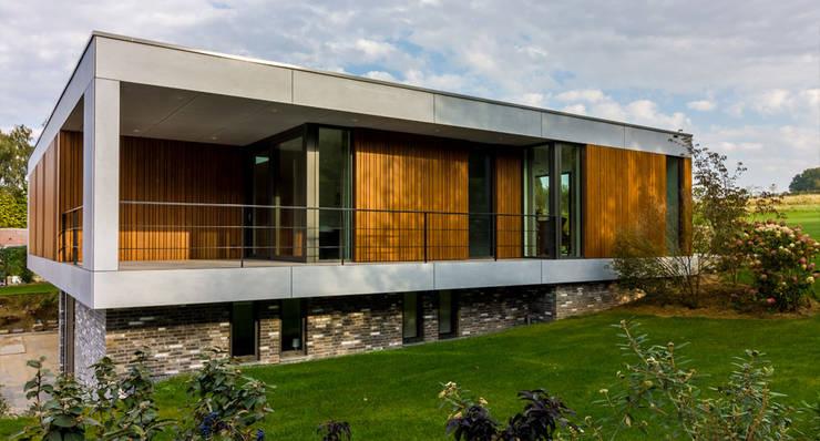 rechter zijgevel:  Huizen door 3d Visie architecten