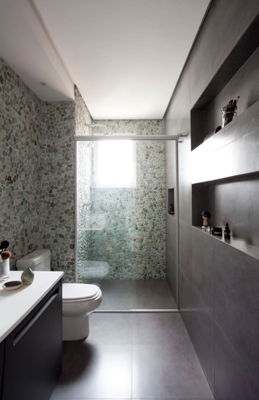 PROJETO RESIDENCIAL PGF: Banheiros  por RP Estúdio - Roberta Polito e Luiz Gustavo Campos