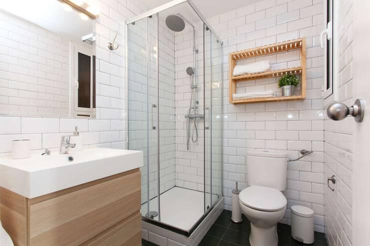 浴室 by Masquepintura
