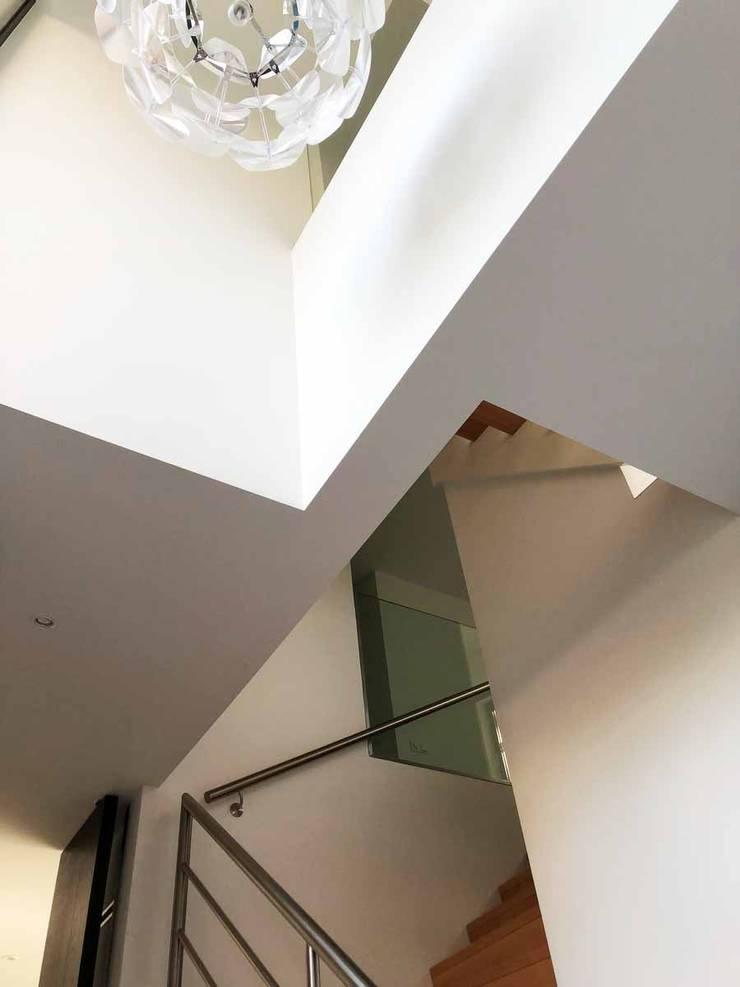 """<q class=""""-first"""">broer en zus</q> te Hilversum:   door Architectenburo de Vries en Theunissen"""