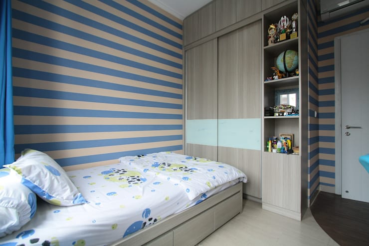 Home sweet home di Grand Galaxy:  Kamar tidur anak by Exxo interior
