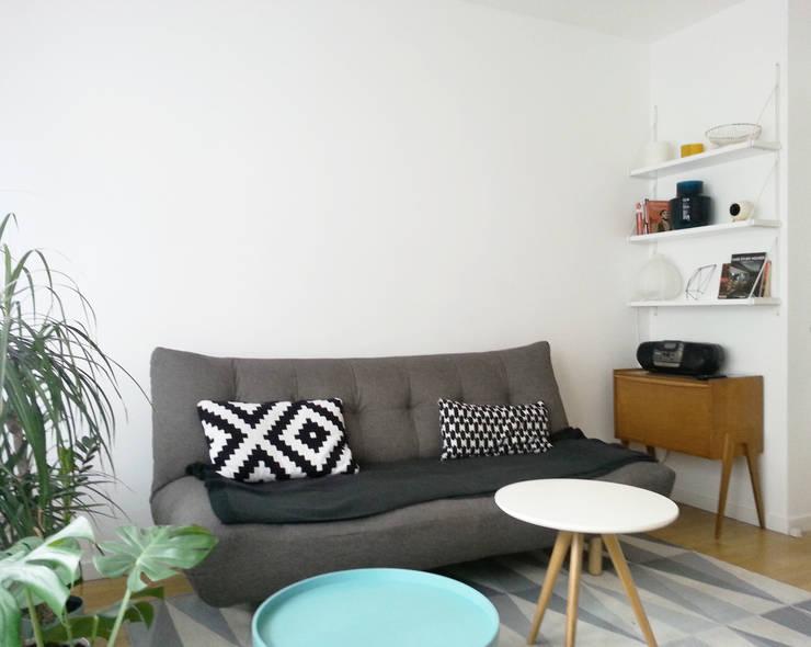 VUE SUR SEJOUR: Salon de style  par Lionel CERTIER - Architecture d'intérieur