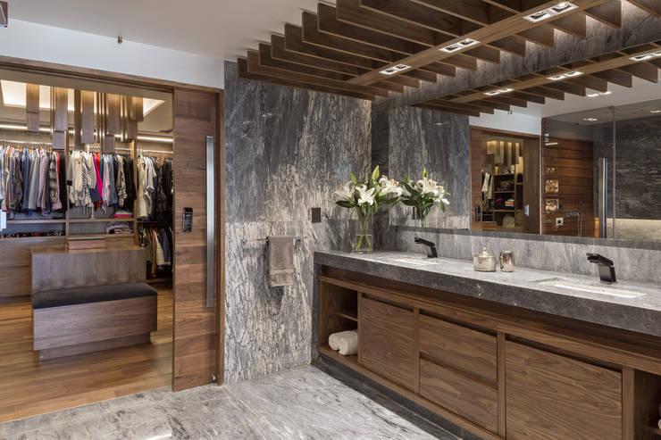 浴室 by Art.chitecture, Taller de Arquitectura e Interiorismo 📍 Cancún, México.