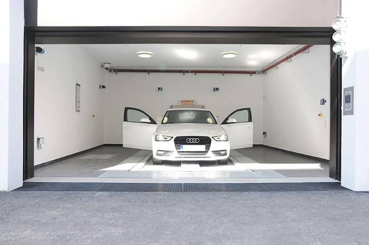 Garagens e arrecadações  por KLAUS MULTIPARKING COLOMBIA