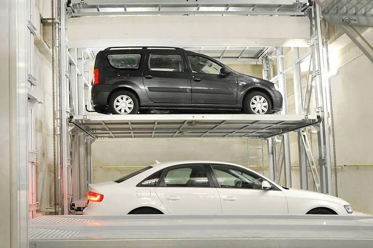 MasterVario R2C Alemania, Munich, Karlstrasse, 2014.: Garajes de estilo  por KLAUS MULTIPARKING COLOMBIA