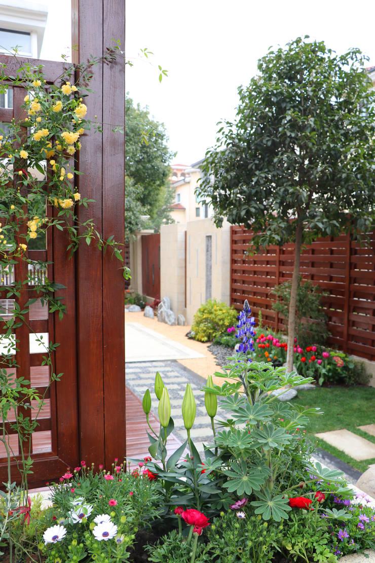SuZhou Garden 01:  Front yard by  M  Garden