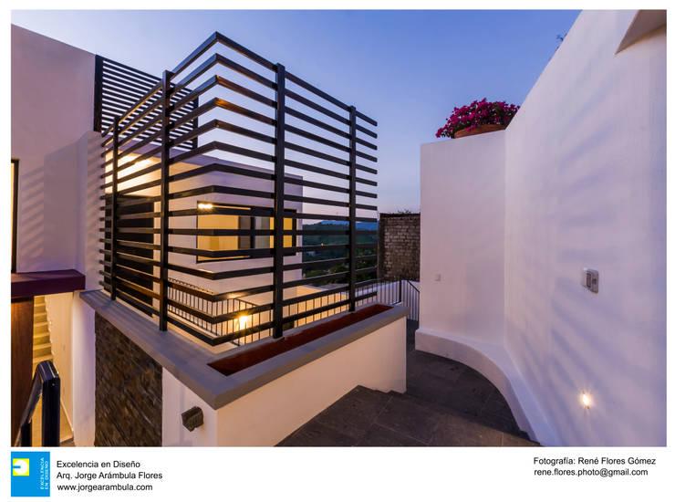 Detalles de Herreria: Casas de estilo  por René Flores Photography