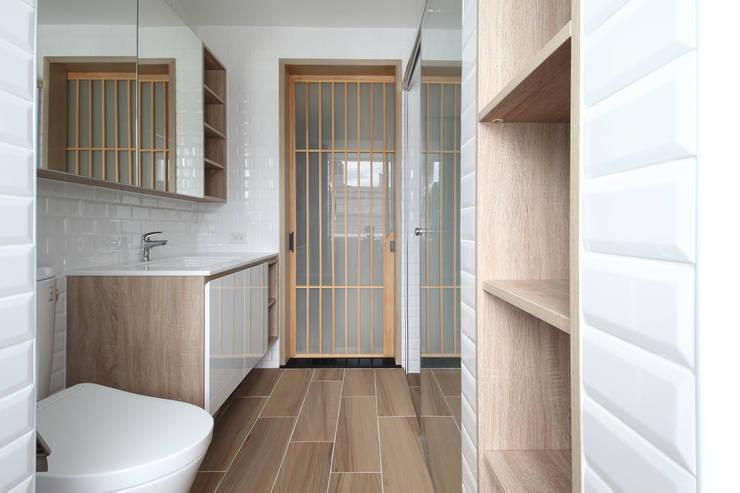 Phòng tắm phong cách Bắc Âu bởi 樂沐室內設計有限公司 Bắc Âu