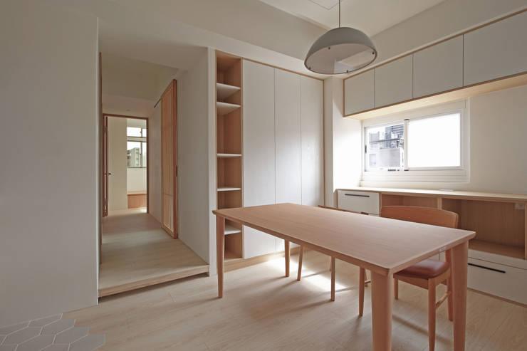 Phòng ăn phong cách Bắc Âu bởi 樂沐室內設計有限公司 Bắc Âu