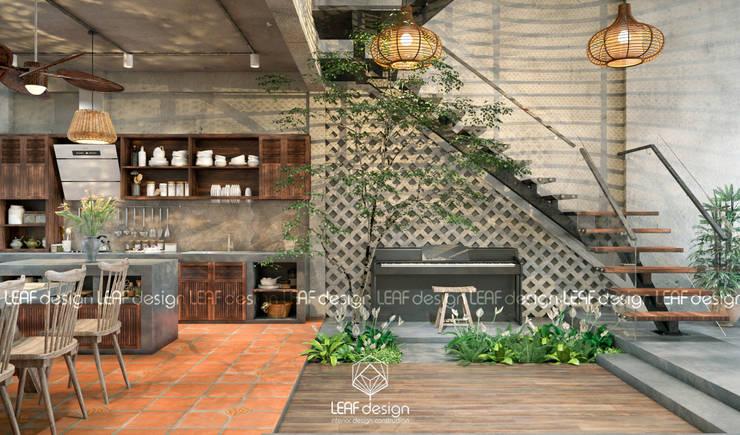 Cảm xúc Á Đông – Nhà phố Sài Gòn:  Nhà bếp by LEAF Design