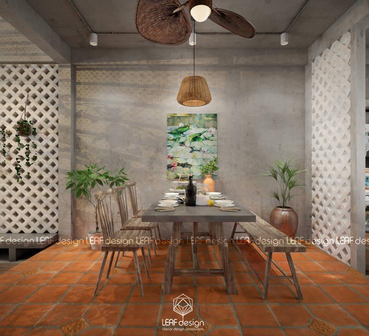 Cảm xúc Á Đông – Nhà phố Sài Gòn:  Phòng ăn by LEAF Design