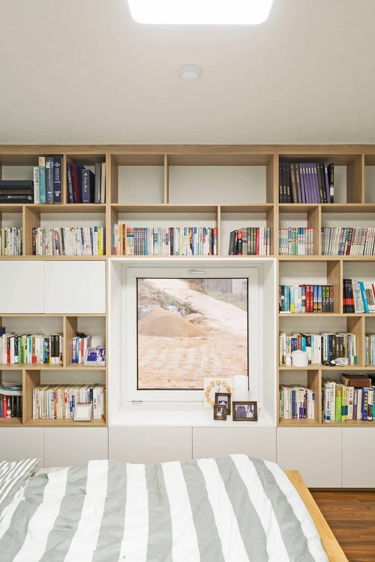 청양 농가주택 프로젝트: 적정건축의  서재 & 사무실