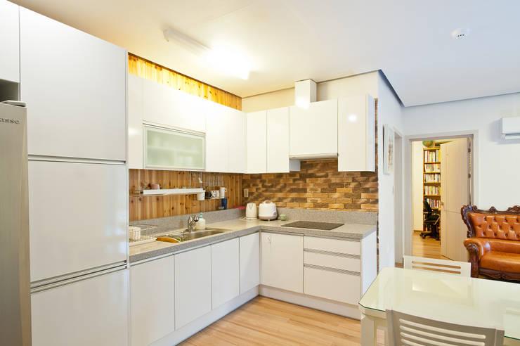 廚房 by 건축사사무소 아키포럼