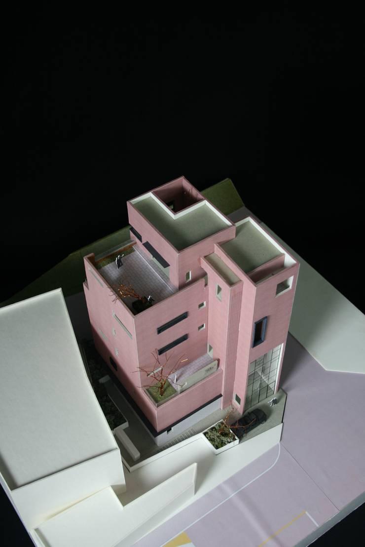 Pavimento in stile  di (주)건축사사무소 예인그룹
