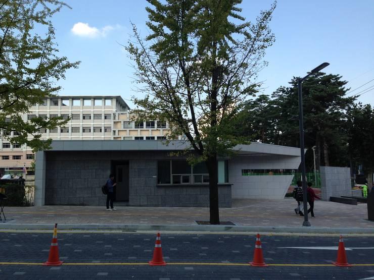 외부부분: (주)건축사사무소 예인그룹의  계단,